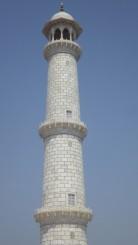 L'une des 4 tour bordant le Taja Mahal à Agra