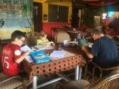 Ecole dans un petit restaurant de Goa