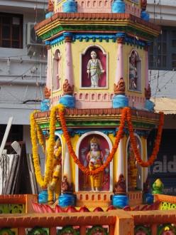 Monument devant temple Hindou Calangute