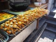 Brochettes de crabes vendus dansx la rue - Fenghuang