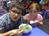 Hanoï - devant une assiette de Pho
