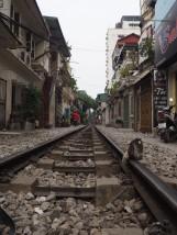Hanoï - la rue du train et Sacado