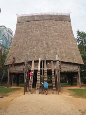 Hanoï - Musée d'ethnologie, la maison commune