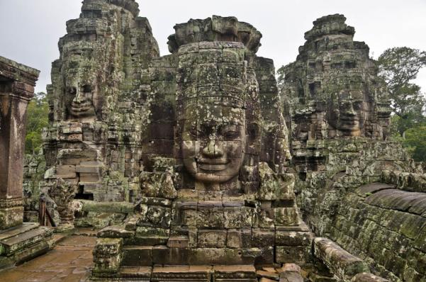 angkor-wat-statues