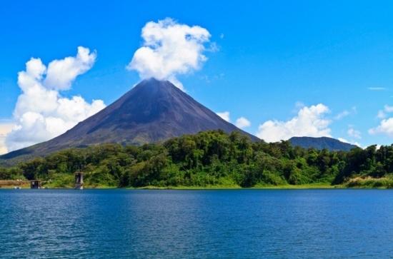 excursion-d-une-journ-e-au-volcan-arenal-et-aux-sources-d-eau-chaude-in-guanacaste-125102
